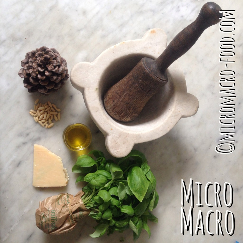 pesto-ligure-mortaio-ingredienti-micromacro-food