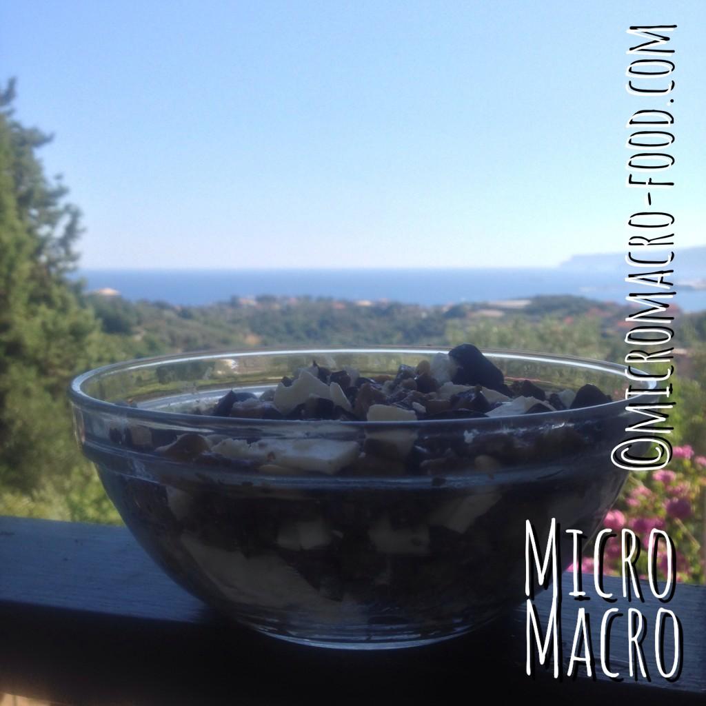 insalata-melanzane-feta-pinoli-uvette-micromacro-food
